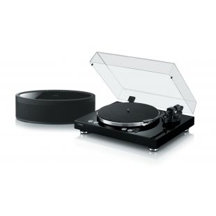 MusicCast Vinyl 500 Wireless Turntable with a MusicCast 50 Wireless Stereo Speaker