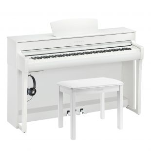 CLP-735 Clavinova Digital Piano Essential Pack