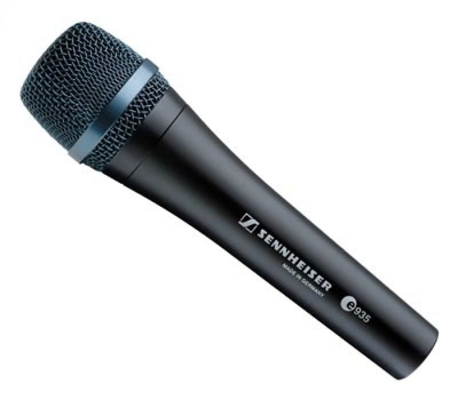 e935 Dynamic Vocal Microphone