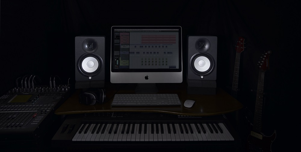Yamaha hs5 monitor speaker white finish 45w 25w for Yamaha hs5 speaker stands