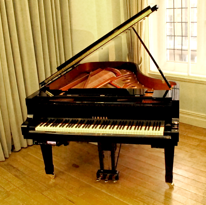 Yamaha pre owned yamaha dc7m disklavier grand piano in for How big is a baby grand piano