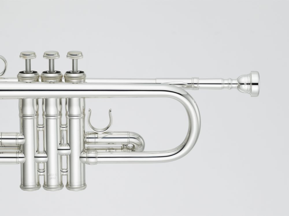 yamaha ytr-9445chsii c trumpet  u0026 39 chicago u0026 39  xeno artist model in silver-plated finish